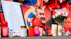 A portrait of Anthony Foley left in tribute before the match Photo by Seb Daly/Sportsfile