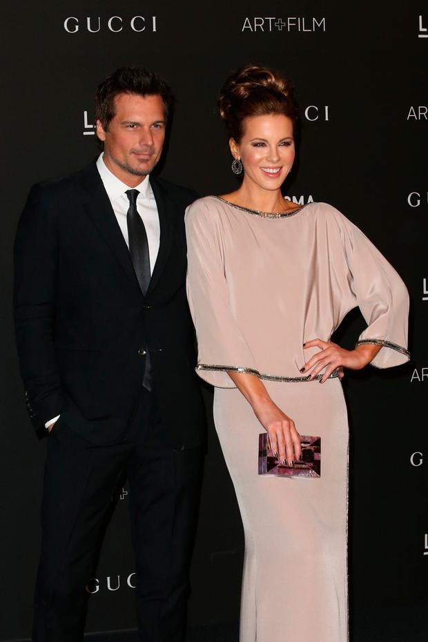 Director Len Wiseman (L) and actress Kate Beckinsale attend the 2014 LACMA Art + Film Gala honoring Barbara Kruger and Quentin Tarantino presented by Gucci at LACMA on November 1, 2014 in Los Angeles, California. (Photo by Frederick M. Brown/Getty Images)