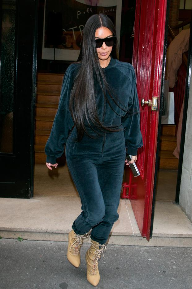 Kim Kardashian West leaves the 'Alaia' showroom on October 1, 2016 in Paris, France. (Photo by Marc Piasecki/GC Images)