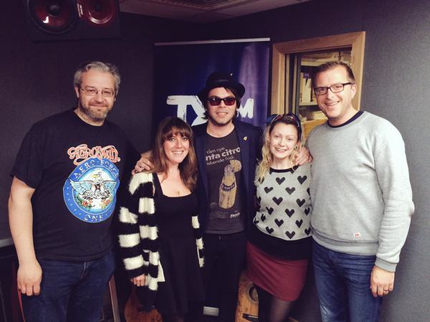 Gaz Coombes with Claire Beck, Kelly-Ann Byrne, and Joe Donnelly