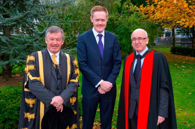Irish Independent editor Fionnán Sheahan (centre) with UCC President Dr Michael Murphy and Prof Patrick O'Donovan. Pic Michael Mac Sweeney/Provision