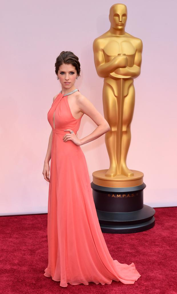Actress Anna Kendrick arrives on the red carpet for the 87th Oscars February 22, 2015