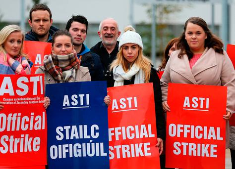 Teachers on strike outside St Mary's College, Dundalk Photo: Brian Lawless/PA Wire