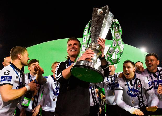 Dundalk manager Stephen Kenny celebrates with the trophy. Photo by David Maher/Sportsfile