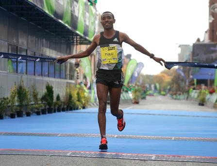 Dereje Debele Tulu, from Ethiopia wins the mens race in the Dublin city Marathon. Picture credit; Damien Eagers 30/10/2016