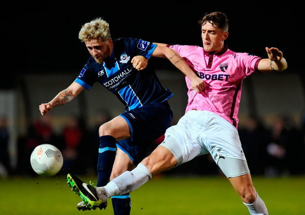 Lee Grace of Wexford Youths in action against Marc Griffin of Drogheda United. Photo by Matt Browne/Sportsfile