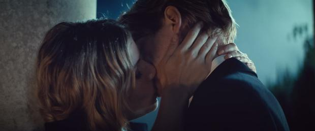 Domhnall Gleeson with Sienna Miller in Burberry's Christmas ad