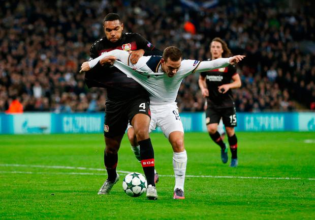 Tottenham's Vincent Janssen tussles with Jonathan Tah in the penalty area. Photo: Action Images via Reuters / Matthew Childs Livepic