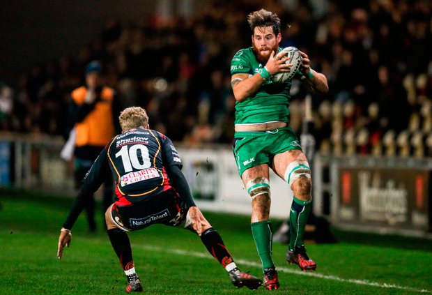 Connacht's Jake Heenan is tackled by Angus O'Brien. Photo by Gareth Everett/Sportsfile