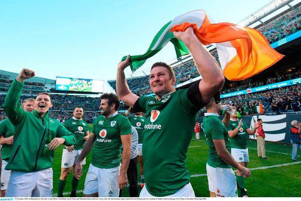 5 November 2016; Ireland players, from left, Craig Gilroy, Cian Healy, Jared Payne and Donnacha Ryan celebrate victory after the International rugby match between Ireland and New Zealand at Soldier Field in Chicago, USA. Photo by Brendan Moran/Sportsfile
