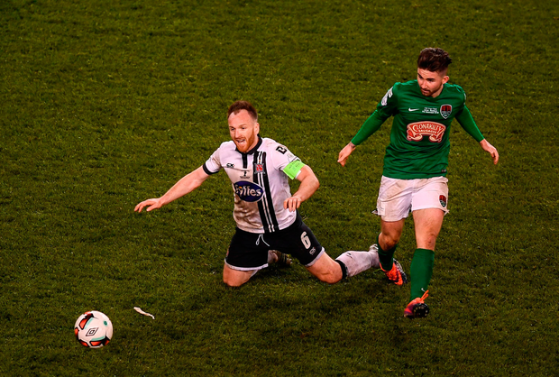Stephen O'Donnell of Dundalk in action against Seán Maguire of Cork City