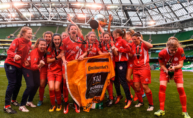 Shelbourne Ladies celebrate with the cup. Photo by David Maher/Sportsfile