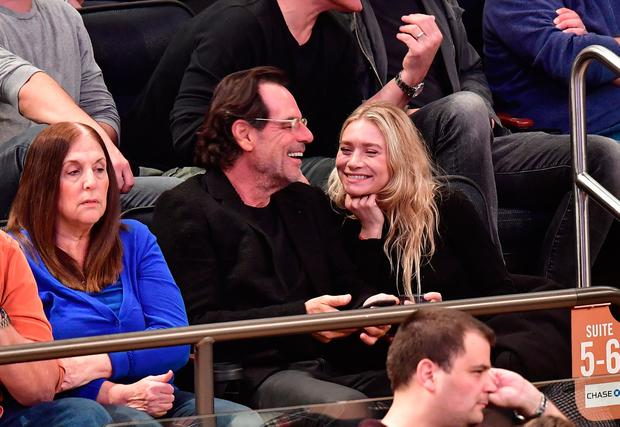 Ashley Olsen and Richard Sachs attend New York Knicks vs Brooklyn Nets game at Madison Square Garden on November 9, 2016 in New York City. (Photo by James Devaney/GC Images)