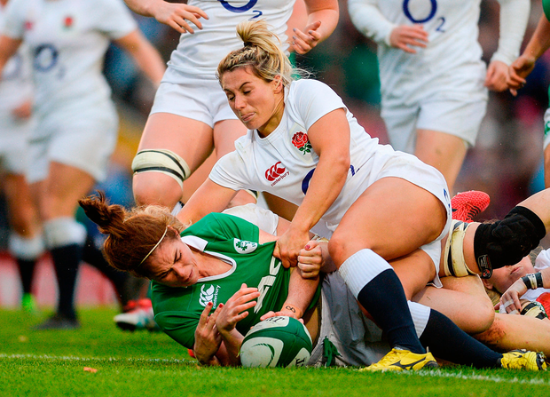 Nora Stapleton of Ireland scores her side's first try. Photo by Eóin Noonan/Sportsfile