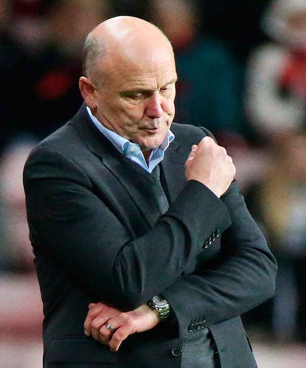 Hull City manager Mike Phelan looks dejected. Photo: Scott Heppell/Reuters