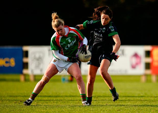 Fiona McHale of Carnacon in action against Sinéad Goldrick of Foxrock Cabinteely. Photo by Sam Barnes/Sportsfile