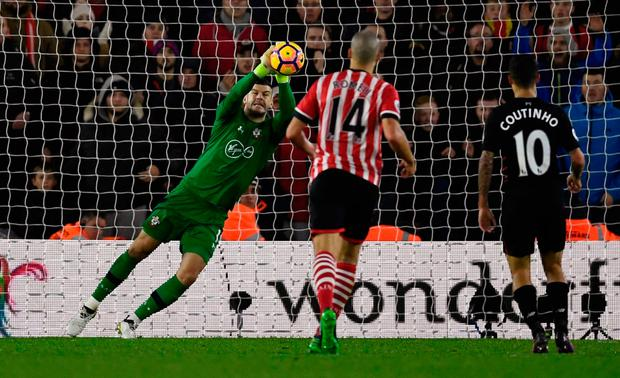 Southampton's Fraser Forster makes a save. Photo: Reuters / Dylan Martinez