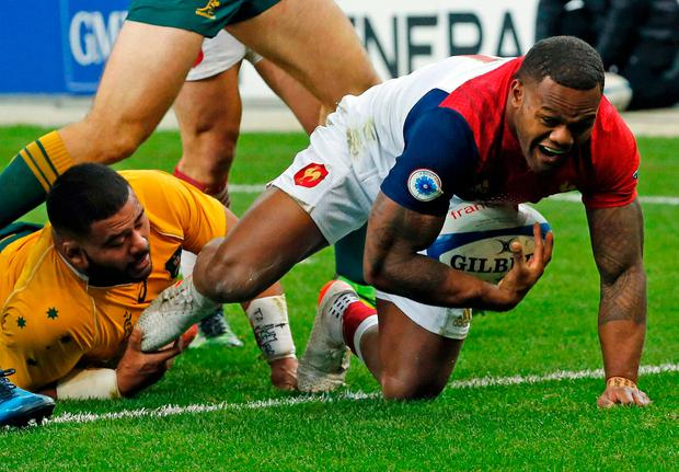 France's Virimi Vakatawa scores a try. Photo: Reuters