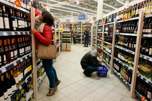 Proposed laws to force shopkeepers to segregate alcohol look set to be changed. Photo: Peter Kollanyi/Bloomberg
