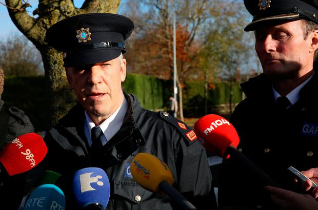 Supt Gerry Wall speaks to the media in the Moyglare Abbey estate in Maynooth where Kym Owens was assaulted on Sunday evening. Photo: Gerry Mooney