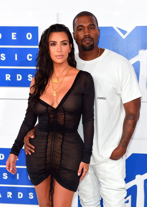 Excellent Kim Kardashian Is Considering Divorce From Kanye West And Wants Short Hairstyles For Black Women Fulllsitofus