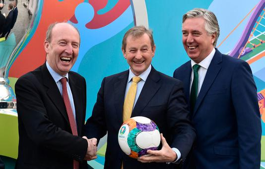 An Taoiseach Enda Kenny T.D centre with Minister for Transport, Tourism & Sport Shane Ross T.D left and FAI CEO John Delaney right at UEFA EURO 2020 Host City Logo Launch – Dublin at CHQ Building in North Wall Quay, Dublin today. Photo by David Maher/Sportsfile