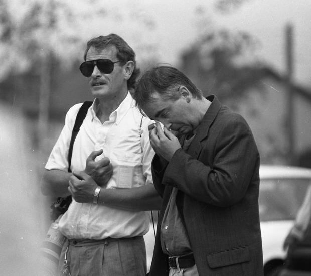 96 Sunday World Journalist Paul Williams and photographer Liam O'Connor at the scene of the murder of Journalist Veronica Guerin. Pic Steve Humphreys 26/6/96 1990's NPA/Independent Collection