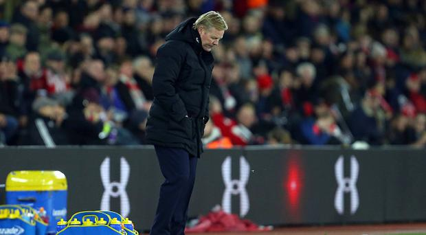 SOUTHAMPTON, ENGLAND - NOVEMBER 27: A downcast looking Ronald Koeman the head coach / manager of Everton during the Premier League match between Southampton and Everton at St Mary's Stadium on November 27, 2016 in Southampton, England. (Photo by Catherine Ivill - AMA/Getty Images)