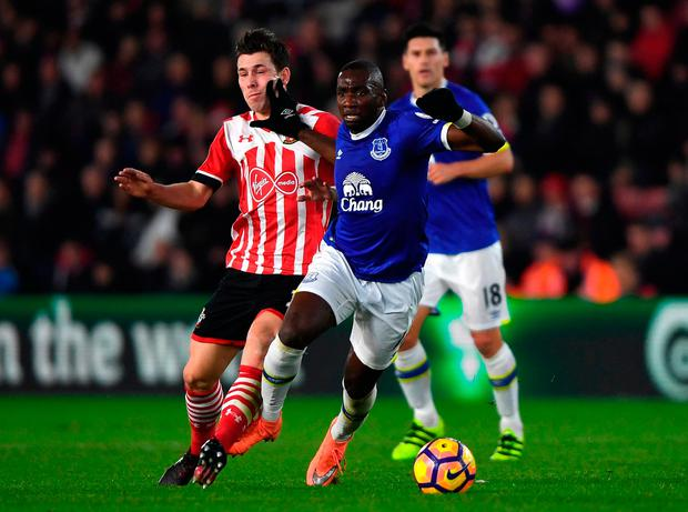 Southhampton's Pierre-Emile Hojbjerg (L) and Everton's Yannick Bolasie (R) battle for possession. Photo: Getty