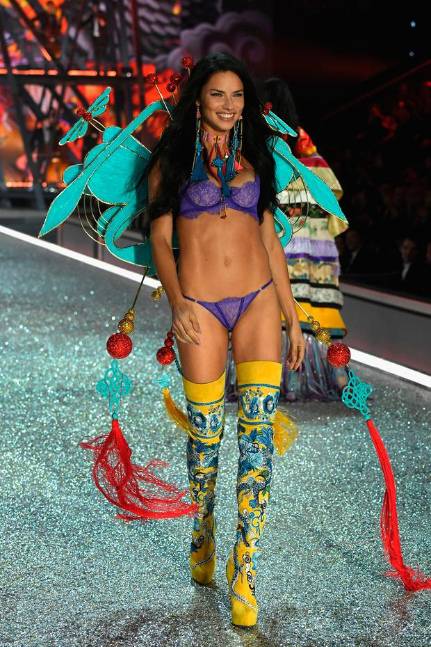 Adriana Lima walks the runway at the Victoria's Secret Fashion Show on November 30, 2016 in Paris, France. (Photo by Pascal Le Segretain/Getty Images for Victoria's Secret)