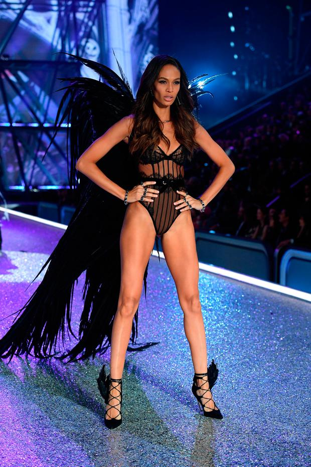 Joan Smalls walks the runway during the 2016 Victoria's Secret Fashion Show on November 30, 2016 in Paris, France. (Photo by Dimitrios Kambouris/Getty Images for Victoria's Secret)