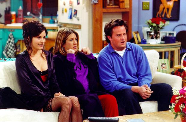 Actors Courteney Cox Arquette (L), Jennifer Aniston (C) and Matthew Perry are shown in a scene from the NBC series