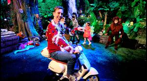 The Late Late Toy Show's Ryan Tubridy with kids including Butterfly Lauren McMahon(5), Grass Emma McNally (9), Bumblebee Cillian Ryan (4) , Tiger Cub Arda Destire (8), Zebra Molly McLoughlin (11) and Monkey Niamh Mulvany (11) on the new jungle set ahead of tonights Show. Pic Steve Humphreys