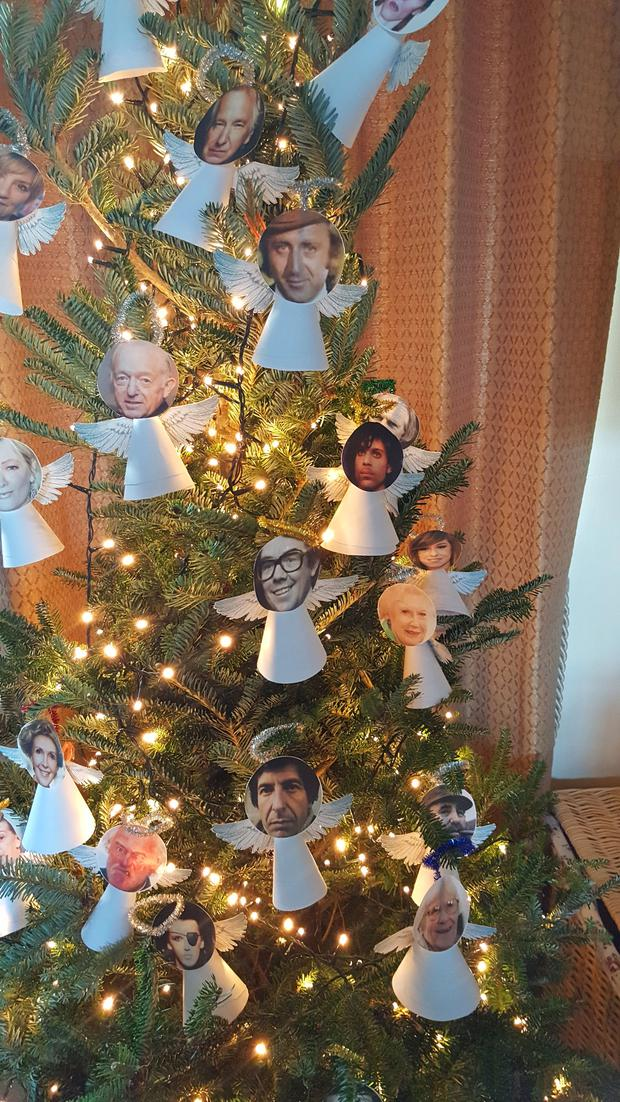 Picture taken with permission from the twitter feed of @L3GSV of a Christmas tree made by a woman, who wishes to remain anonymous, paying tribute to all the celebrities who died in 2016. Photo credit: @L3GSV/Twitter/PA Wire