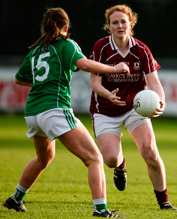Niamh Duggan of Annaghdown in action against Claire Garvey of Shane O'Neills. Photo: Sam Barnes/Sportsfile