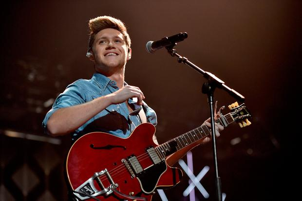 Singer Niall Horan performs onstage during 102.7 KIIS FM's Jingle Ball 2016 presented by Capital One at Staples Center on December 2, 2016 in Los Angeles, California. (Photo by Mike Windle/Getty Images for iHeartMedia)
