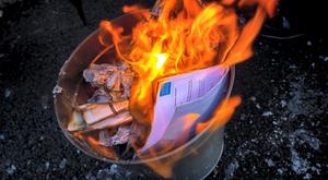 Not everybody wants to burn their water bills. Photo: James Connolly / PicSell8