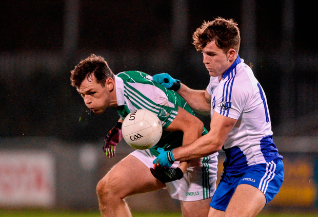 John O'Loughlin of Leinster in action against Seán Mullooly of Connacht. Photo by Daire Brennan/Sportsfile
