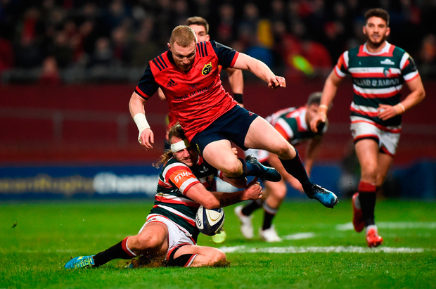 Keith Earls of Munster in action against Sam Harrison of Leicester Tigers. Photo by Diarmuid Greene/Sportsfile