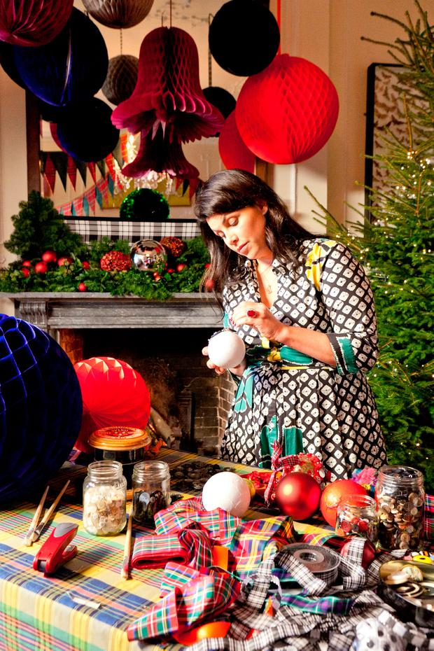 Kirstie Allsopp handmakes some tree baubles on 'Kirstie's Handmade Christmas' on Channel 4
