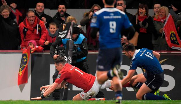 Ronan O'Mahony of Munster scores his side's second try during the Guinness PRO12 Round 11 match between Munster and Leinster at Thomond Park in Limerick. Photo by Brendan Moran/Sportsfile