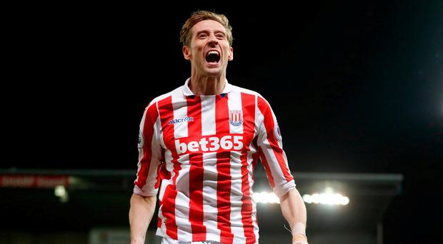 Stoke City's Peter Crouch celebrates scoring their second goal Action Images via Reuters / Carl Recine