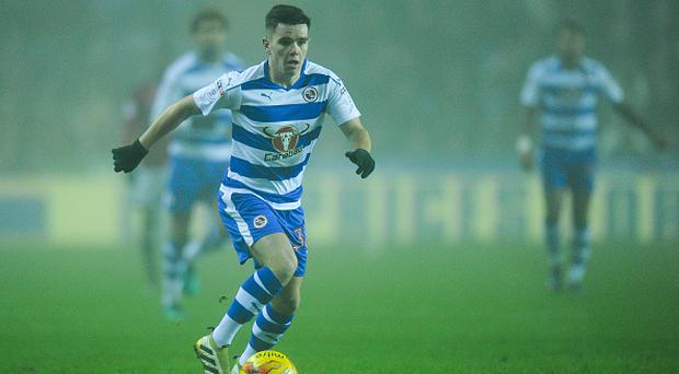 READING, ENGLAND - DECEMBER 30: Reading's Liam Kelly in action during the Sky Bet Championship match between Reading and Fulham at Madejski Stadium on December 30, 2016 in Reading, England. (Photo by Ashley Western - CameraSport via Getty Images)