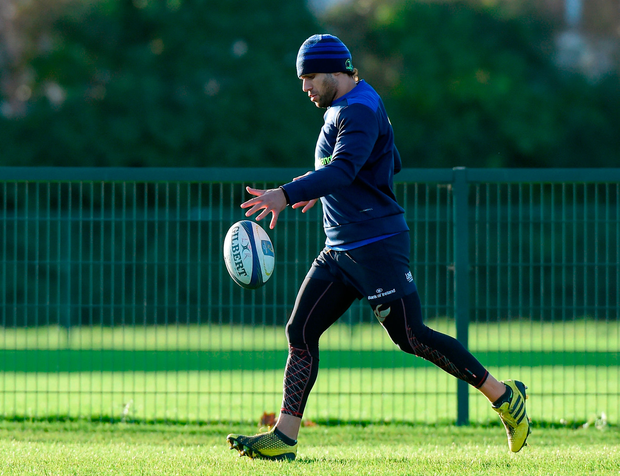 Leinster's Isa Nacewa puts his boot to ball during training yesterday. Photo by Matt Browne/Sportsfile
