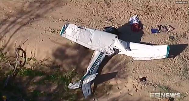 Tourist dead in plane crash on remote Queensland beach