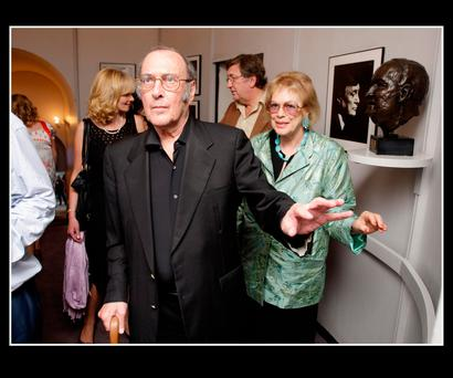 Playwright Harold Pinter pictured with his wife Lady Antonia Fraser, before the opening of Harold Pinter's 'No Man's Land' in the Gate Theatre. Photo: Frank Mc Grath