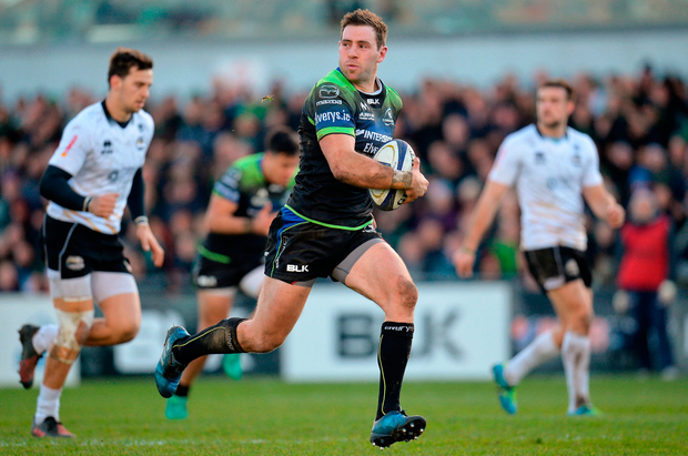 Craig Ronaldson of Connacht on his way to scoring his side's fifth try. Photo by Seb Daly/Sportsfile