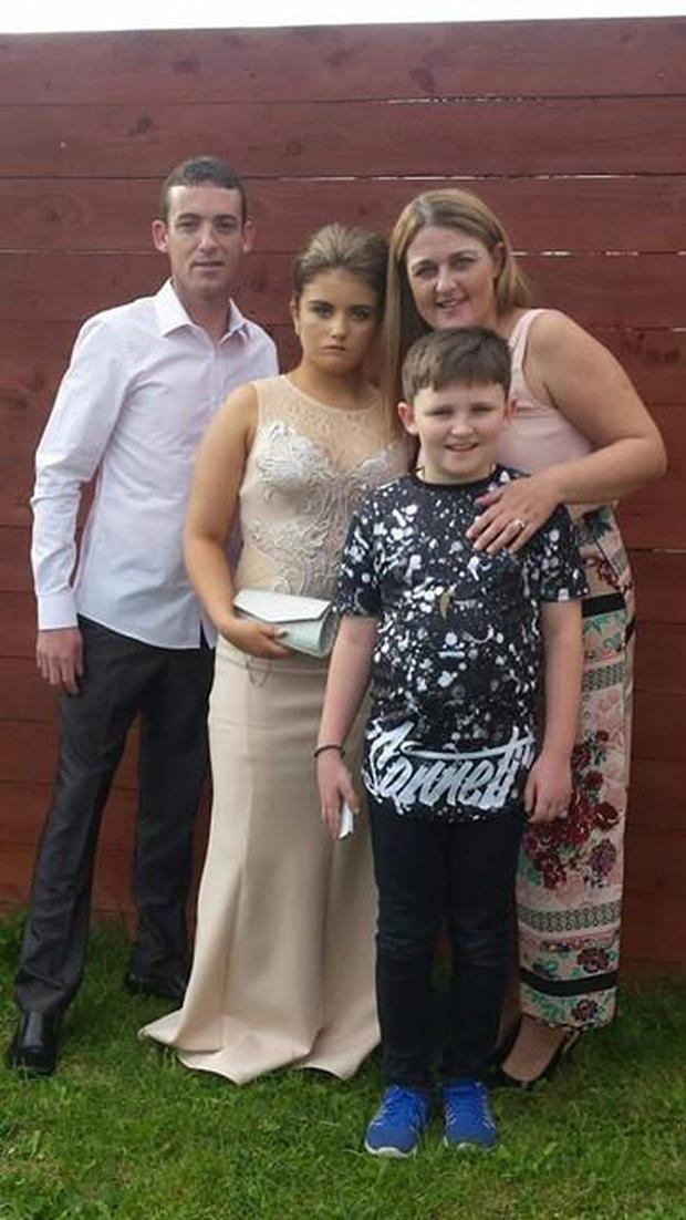 Teegan Bracken O'Reilly (16) with her mum Lesley, dad Anthony and brother Kane.