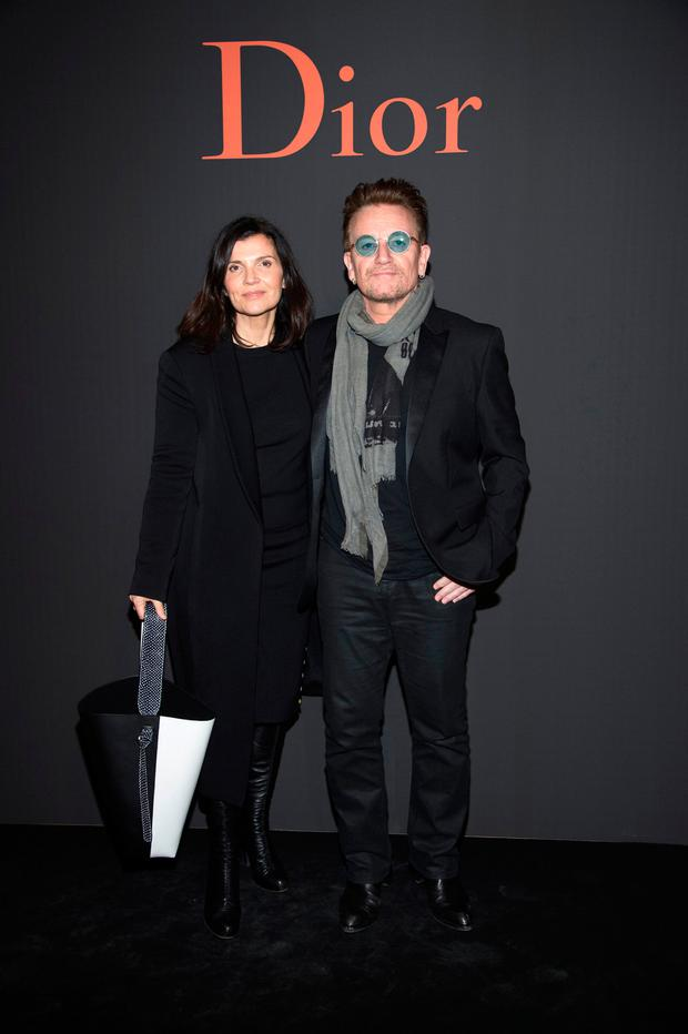 Singer Bono and his wife Ali Hewson attend the Dior Homme Menswear Fall/Winter 2017-2018 show as part of Paris Fashion Week on January 21, 2017 in Paris, France. (Photo by Pascal Le Segretain/Getty Images)