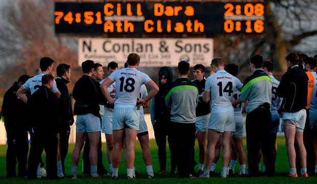 Kildare players listen to manager Cian O'Neill after defeat in the Bord na Mona O'Byrne Cup semi-final match between Kildare and Dublin at St Conleth's Park in Newbridge, Co Kildare. Photo by Piaras Ó Mídheach/Sportsfile